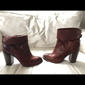 GORGEOUS size 9 Frye Boots, barely used
